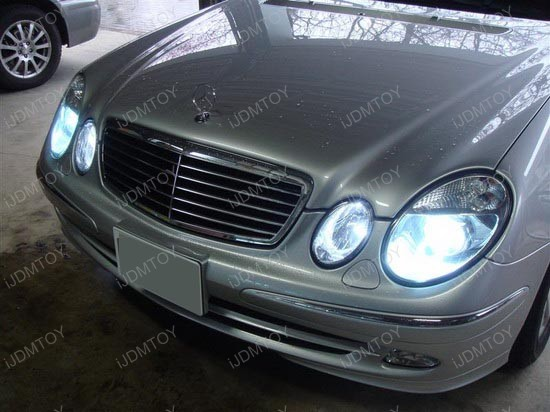Mercedes benz e320 headlight bulb replacement for Mercedes benz headlight bulb