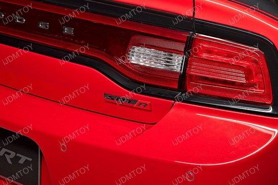 SRT 8 Fender Emblem